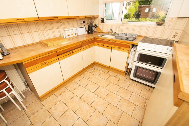 3 bed house for sale in Raddens Road 5