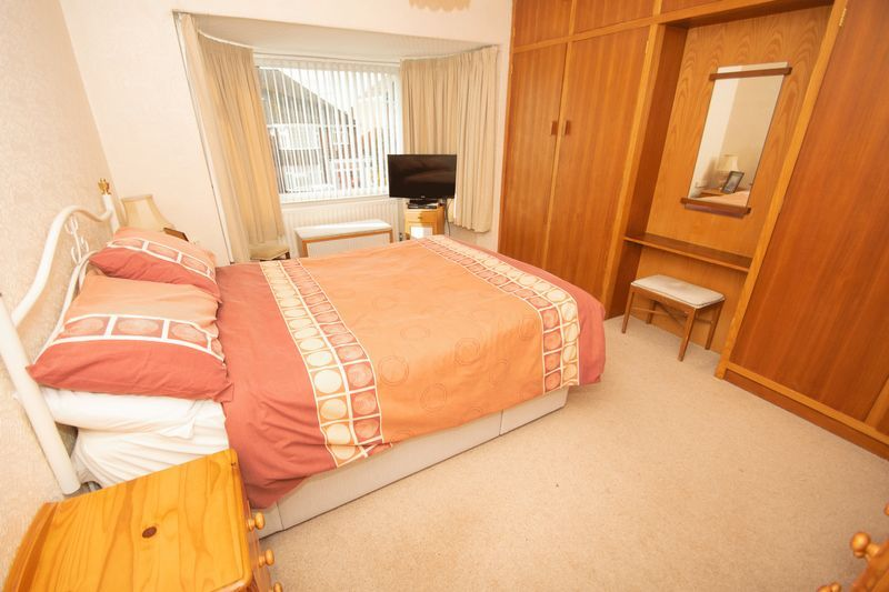 3 bed house for sale in Raddens Road 7