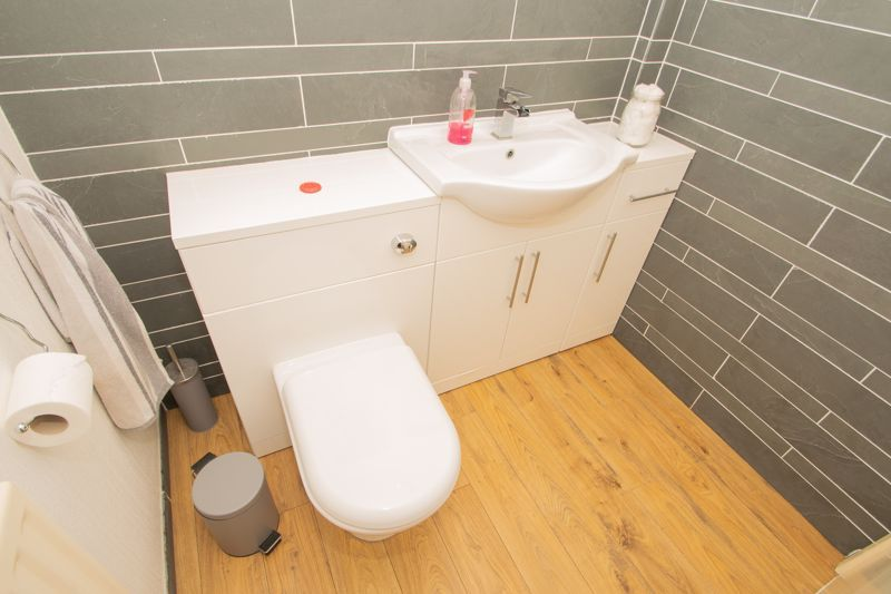 3 bed house for sale in Hagley Road 6