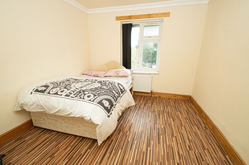 5 bed house for sale in Vicarage Road  - Property Image 7