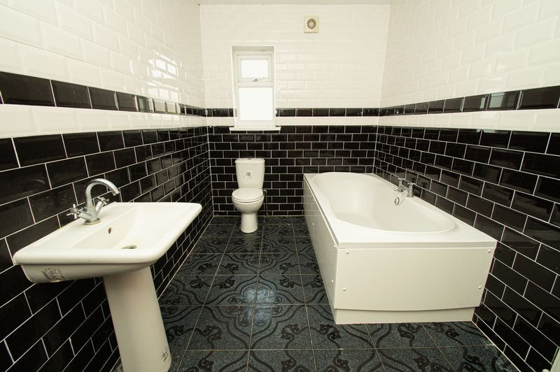 5 bed house for sale in Vicarage Road  - Property Image 10