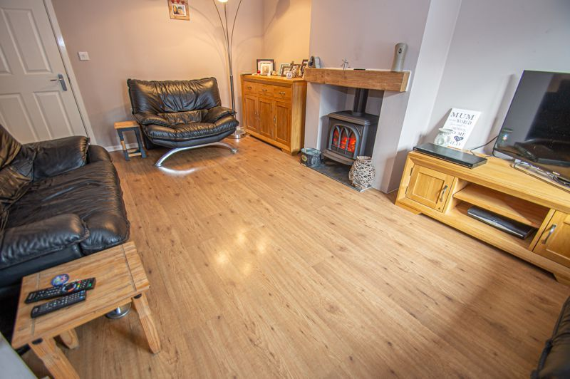 4 bed house for sale in Arlingham Avenue 2