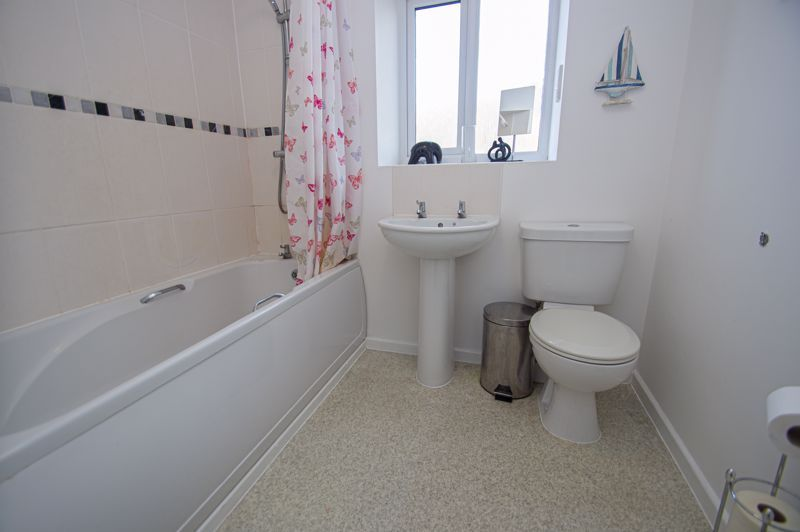4 bed house for sale in Arlingham Avenue  - Property Image 12