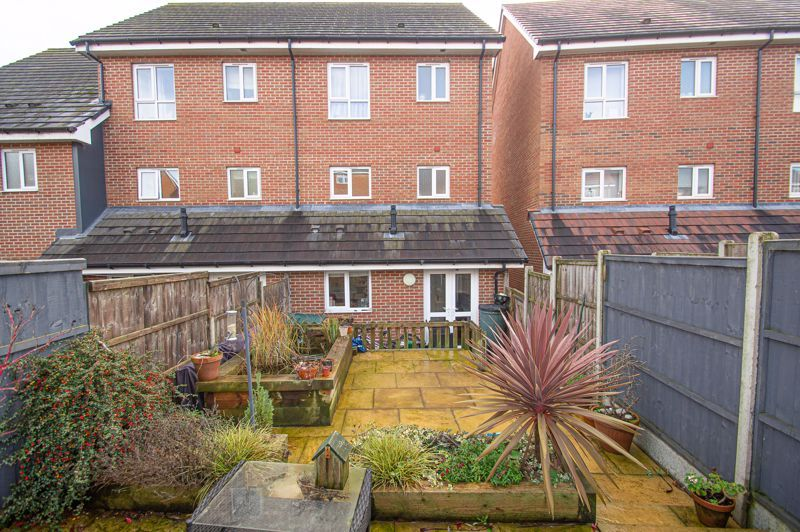 4 bed house for sale in Arlingham Avenue  - Property Image 13