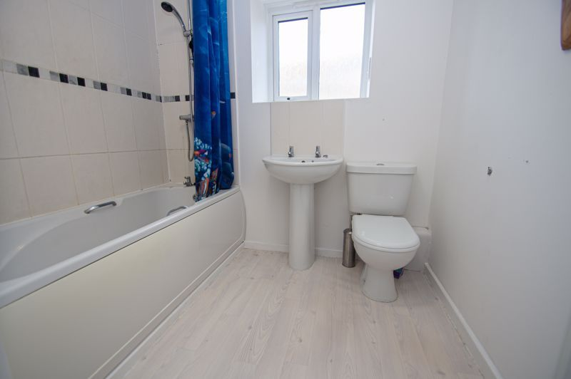4 bed house for sale in Arlingham Avenue 8