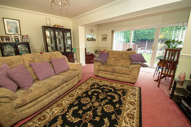 3 bed house for sale in Leavale Road  - Property Image 2