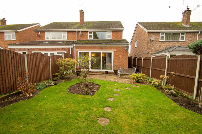 3 bed house for sale in Leavale Road 12