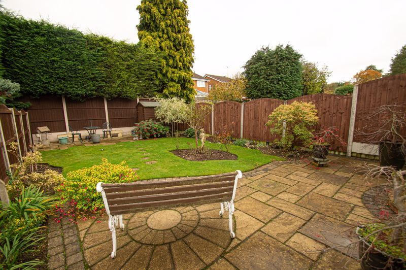 3 bed house for sale in Leavale Road  - Property Image 10
