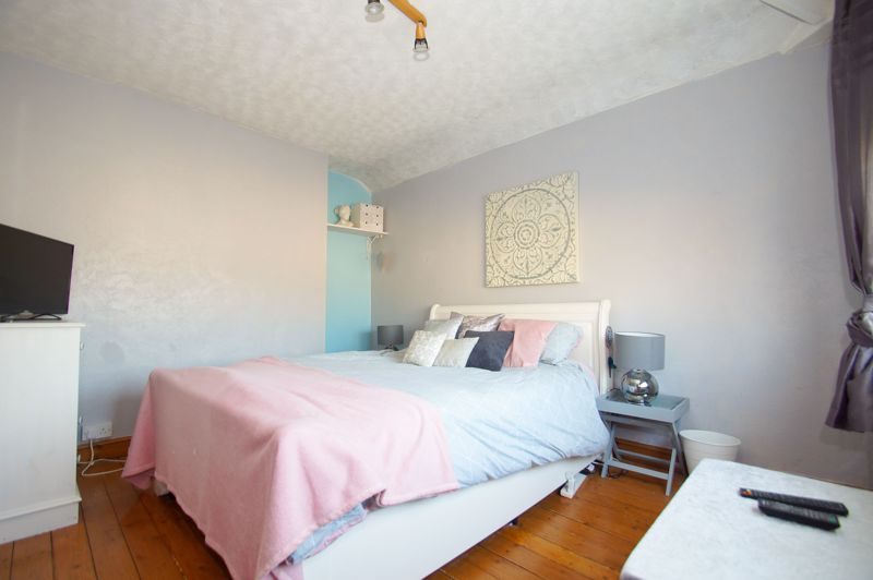 2 bed house for sale in Holcroft Road  - Property Image 7