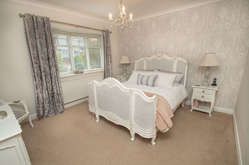 3 bed house for sale in Newfield Crescent 13