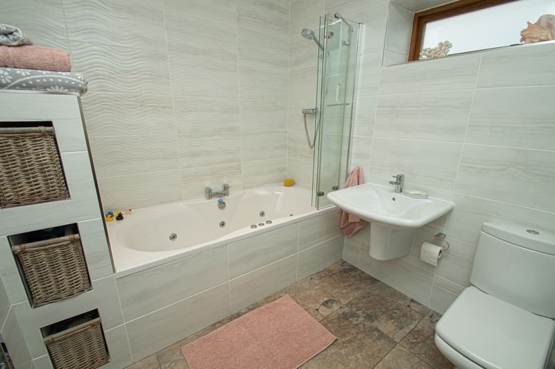 3 bed house for sale in Newfield Crescent 15