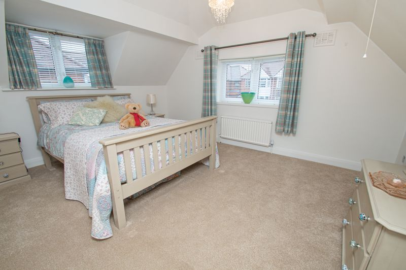 3 bed house for sale in Newfield Crescent 16