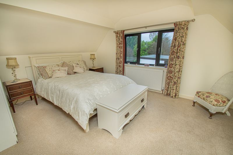 3 bed house for sale in Newfield Crescent 17