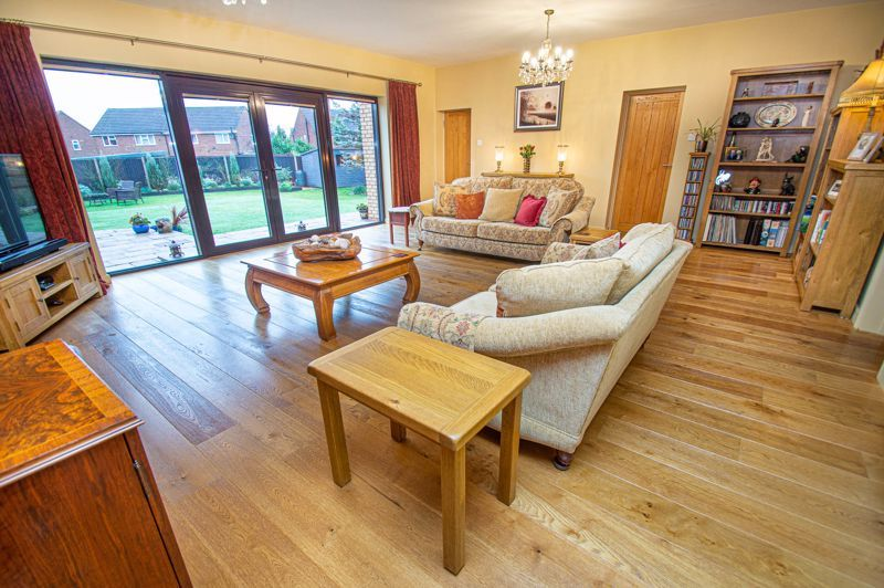 3 bed house for sale in Newfield Crescent 3