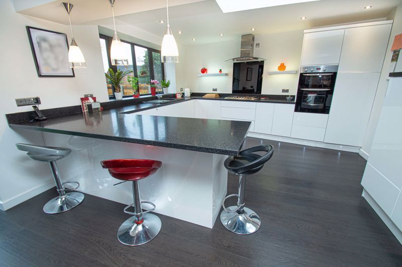 3 bed house for sale in Newfield Crescent 5