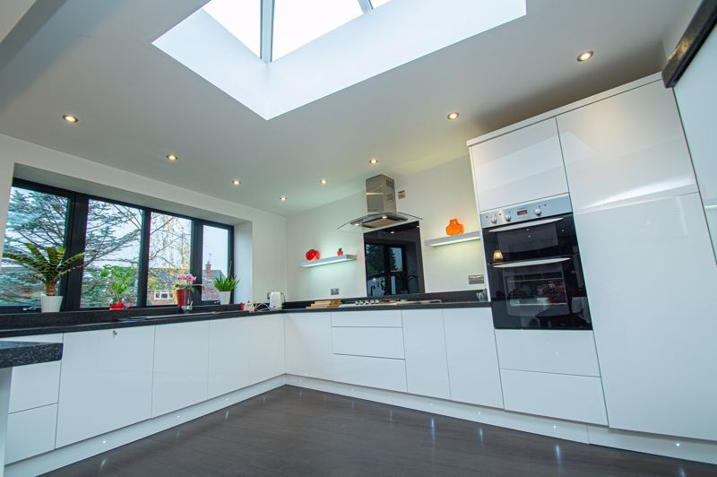 3 bed house for sale in Newfield Crescent  - Property Image 6