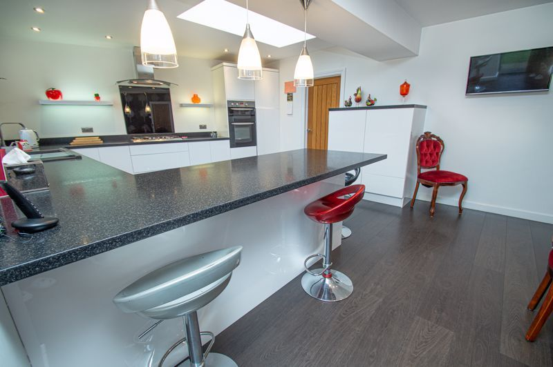 3 bed house for sale in Newfield Crescent  - Property Image 7