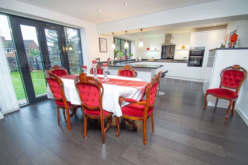 3 bed house for sale in Newfield Crescent 9