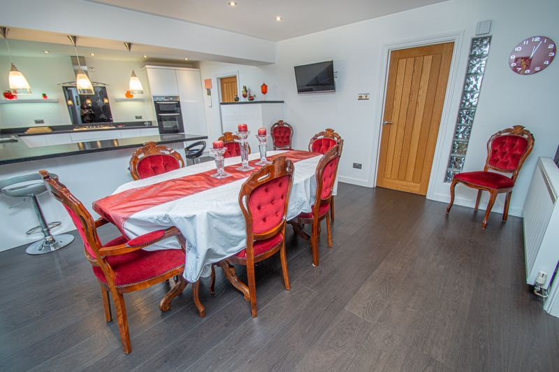 3 bed house for sale in Newfield Crescent  - Property Image 10