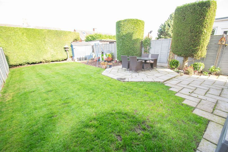 3 bed house for sale in Dobbins Oak Road 13