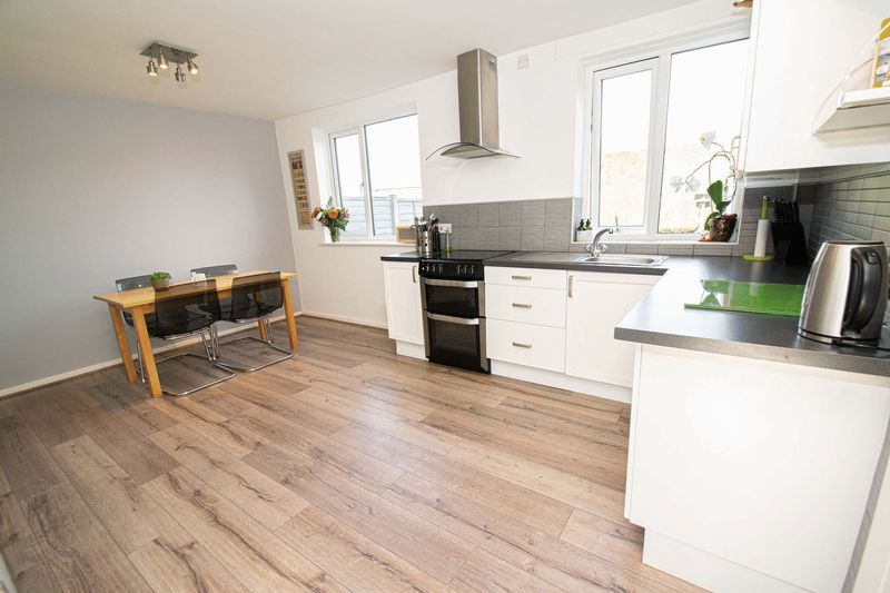 3 bed house for sale in Dobbins Oak Road 4