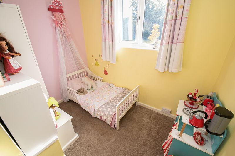 3 bed house for sale in Dobbins Oak Road  - Property Image 10