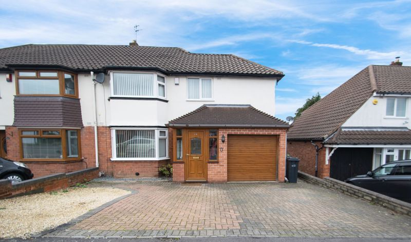 3 bed house for sale in Dunstall Road 1