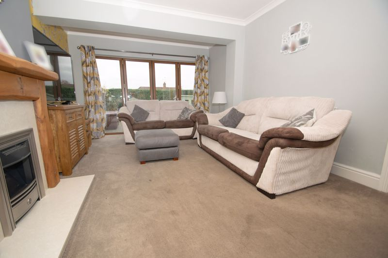 3 bed house for sale in Dunstall Road  - Property Image 3