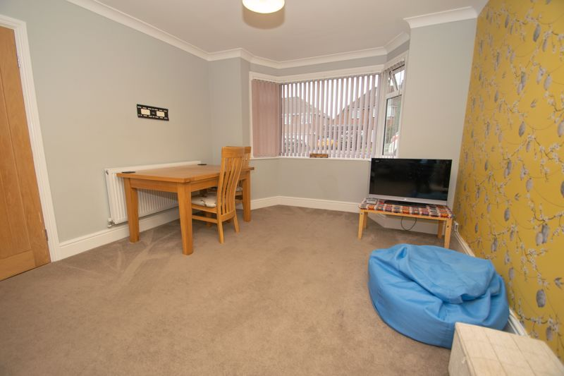 3 bed house for sale in Dunstall Road 4
