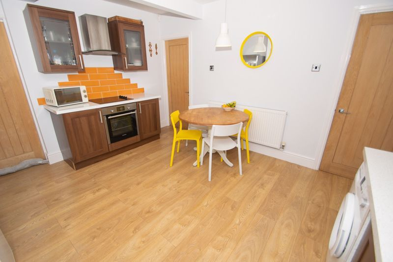 3 bed house for sale in Dunstall Road 6