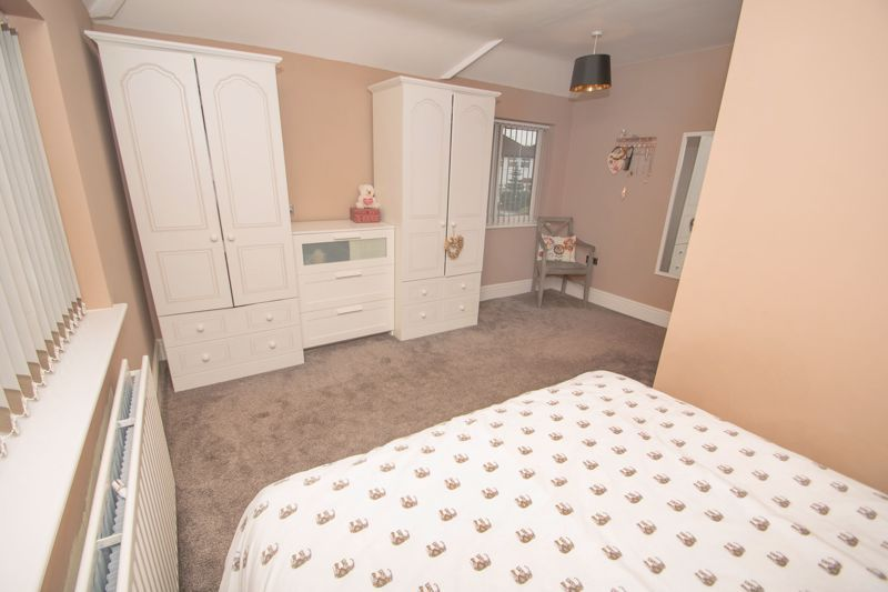 3 bed house for sale in Dunstall Road 8