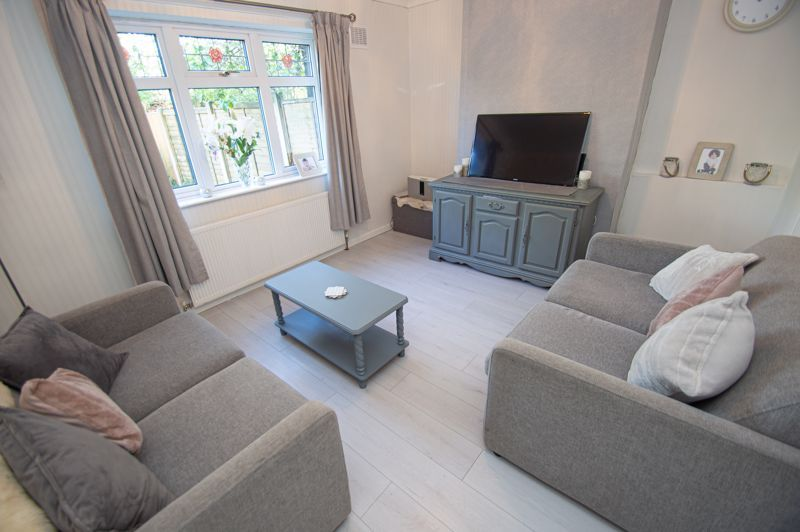 1 bed flat for sale in Oldbury Road 2