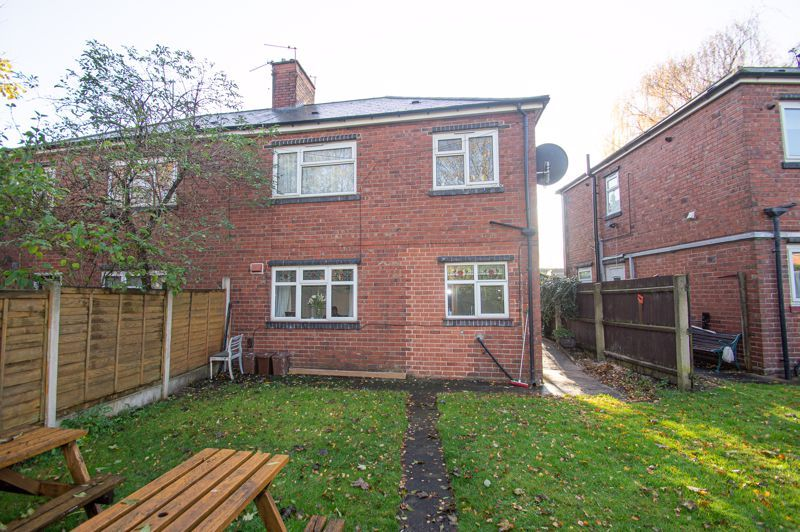 1 bed flat for sale in Oldbury Road 6