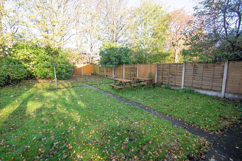 1 bed flat for sale in Oldbury Road 7