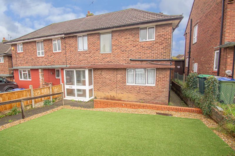 3 bed house for sale in Hanover Road 1