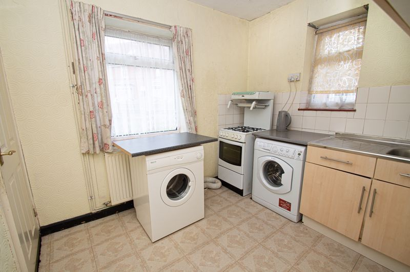 3 bed house for sale in Wall Well Lane 6