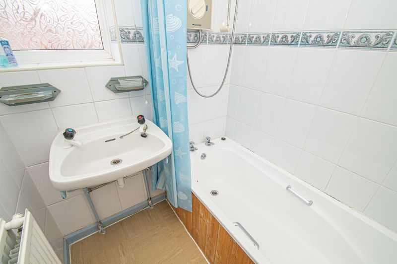 3 bed house for sale in Wall Well Lane 10