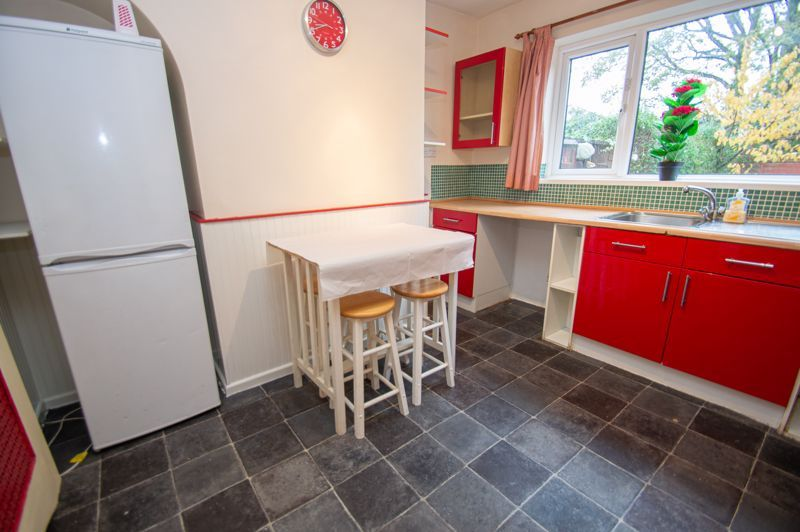 2 bed house for sale in Round Hill Terrace 6