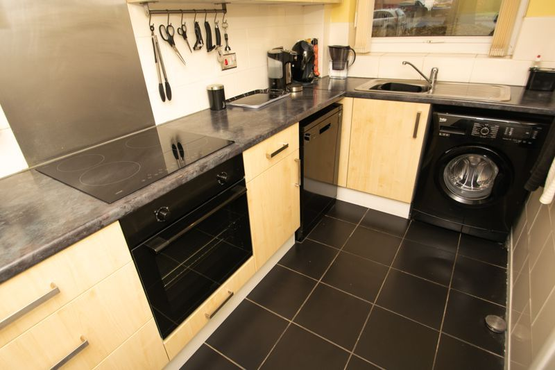 1 bed flat for sale in Netherend Lane 4