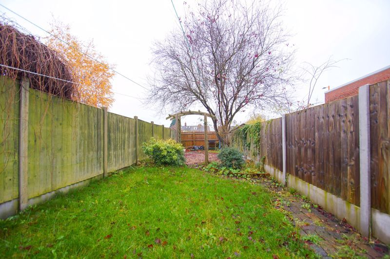 3 bed house for sale in Stoke Road  - Property Image 11