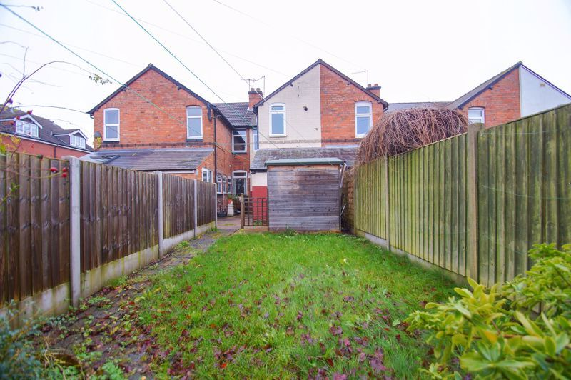 3 bed house for sale in Stoke Road 13