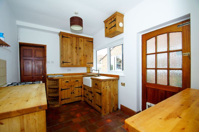 3 bed house for sale in Stoke Road 4