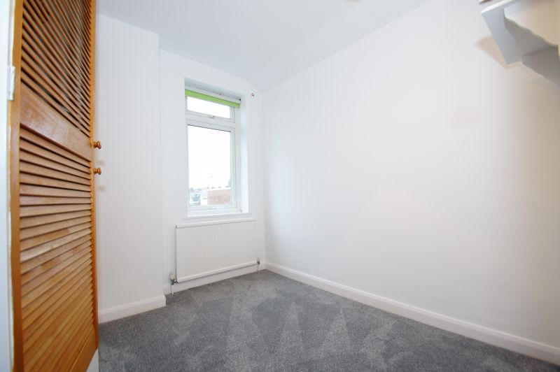 3 bed house for sale in Stoke Road 8