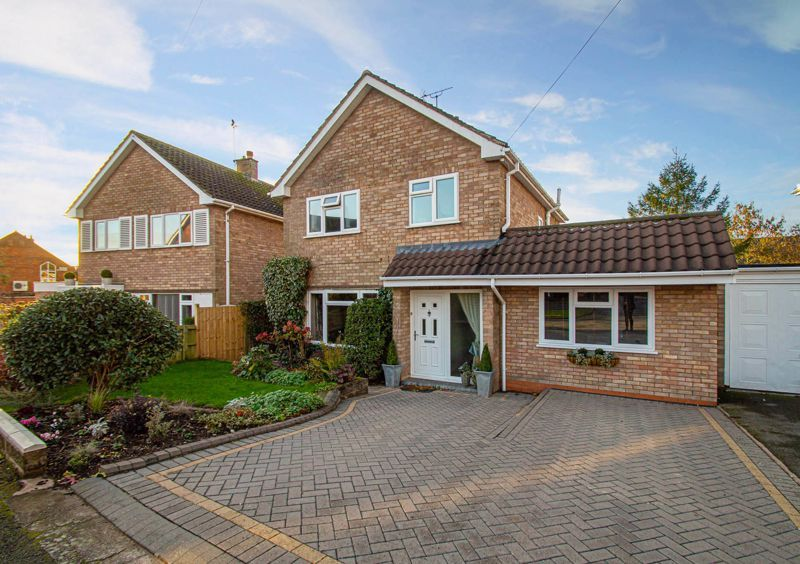 3 bed house for sale in Beverley Close  - Property Image 1