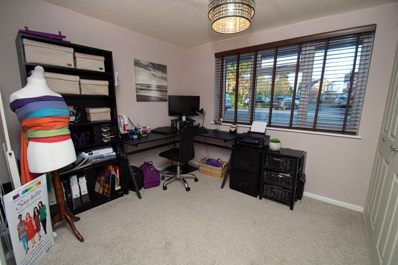 3 bed house for sale in Beverley Close 18