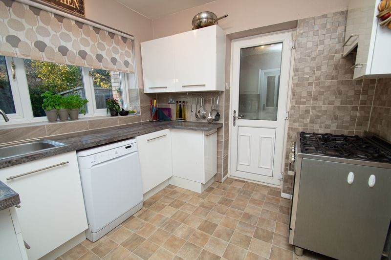 3 bed house for sale in Beverley Close 5