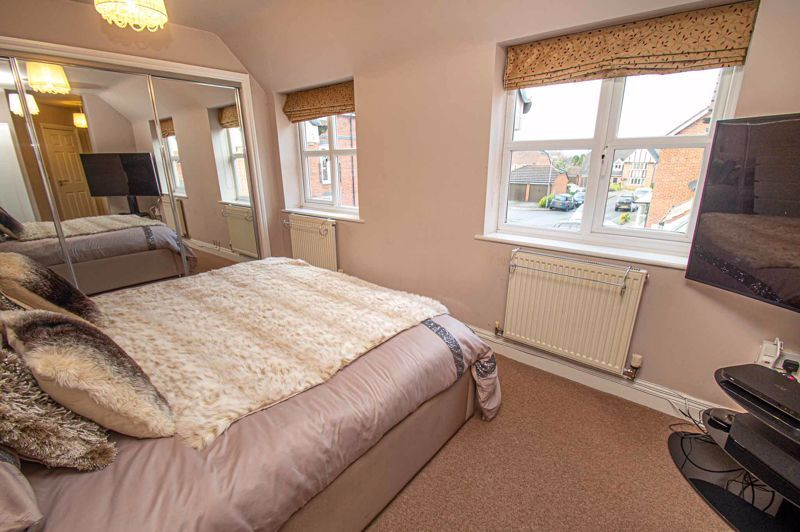 4 bed house for sale in Fleetwood Close  - Property Image 15
