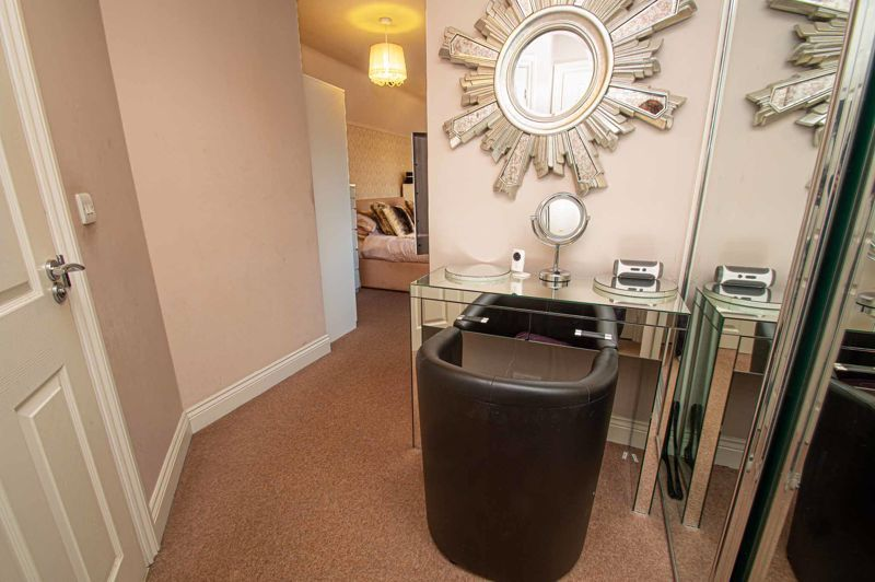4 bed house for sale in Fleetwood Close  - Property Image 17
