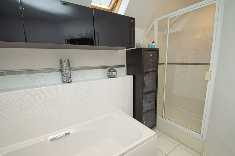 4 bed house for sale in Fleetwood Close  - Property Image 19