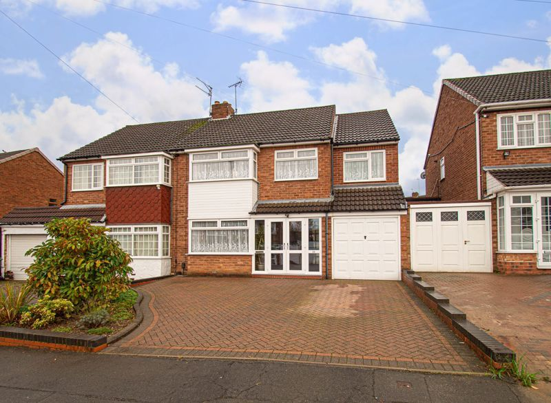 3 bed house for sale in Lansdowne Road - Property Image 1